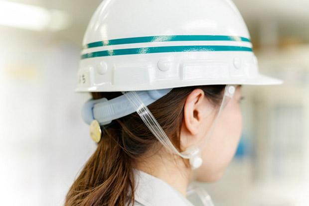 2本線のヘルメット 工事主任に昇格した証し
